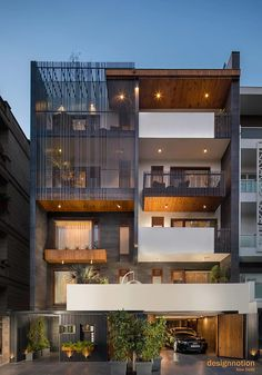 Savita Vihar Residence+ Designnotion+Ar.Prakash Majaria+Ar. Rishikesh lokhade,Delhi Architects, Modern Small House Design, Modern Exterior House Designs, Modern House Facades, Home Modern, Narrow House Designs, Classic House Design, Modern Buildings, Modern Design, 3 Storey House Design