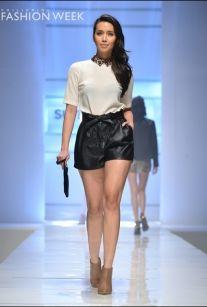 by suiteblanco.....i like the shorts lol