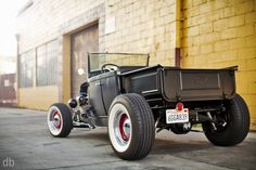 ford trucks old Hot Rod Trucks, Cool Trucks, Cool Cars, Ford Classic Cars, Classic Trucks, Ford Motor Company, Lamborghini, Ferrari, Hot Rod Pickup