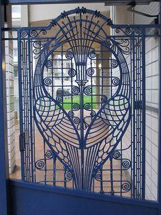 Ferronnerie Art Déco au fil des rues, Reims (51) | Explore Y… | Flickr - Photo Sharing!