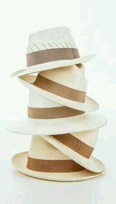 neutrals.quenalbertini: Vintage hats | Linprobable coup de Coeur