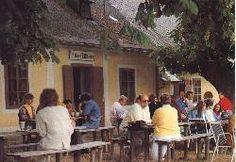 Die Meierei Füllenberg liegt an der Gemeindegrenze zwischen der Gemeinde Wienerwald und der Gemeinde Heiligenkreuz.