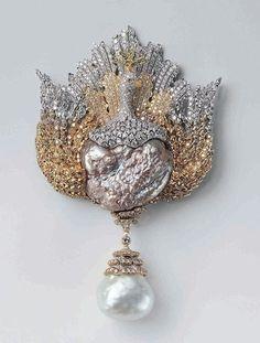 Buccellati Diamond and Pearl Brooch. Bird Jewelry, Animal Jewelry, Pearl Jewelry, Antique Jewelry, Jewelry Art, Vintage Jewelry, Jewelry Accessories, Jewelry Design, Feather Jewelry