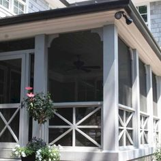 Wooden Porch Railing Design Ideas, Pictures, Remodel and Decor Screened Front Porches, Front Porch Railings, Enclosed Porches, Decks And Porches, Porch Without Railing, Outdoor Railings, Porch Trim, Porch Entrance, Patio Railing