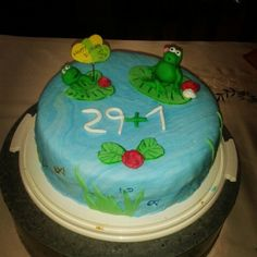 Birthday cakes with Fondant  see,  frogs, roses, fish and water