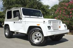 YJ Renegade! 1993 - New Soft Top, 6 Cylinder, 159k Miles, 5-Speed Manual Transmission for $9,995! http://www.selectjeeps.com/inventory/view/7859608?1993+Jeep+Wrangler+2dr+Renegade+League+City+TX