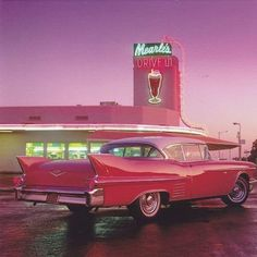 My favorite Cadillac, at my favorite drive-in. - My favorite Cadillac, at my favorite drive-in. Red Aesthetic, Aesthetic Vintage, Aesthetic Pictures, 1950s Aesthetic, Diner Aesthetic, Baby Pink Aesthetic, Cadillac Rosa, Pink Cadillac, 1959 Cadillac