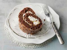 Suklaa-pähkinäkääretortusta voi löytää samoja makuja kuin sacherkakusta. http://www.valio.fi/reseptit/suklaa-pahkinakaaretorttu/
