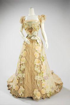 """VanderBiltmore Style"": Evening dress, House of Worth (French, 1858–1956) Designer: Jean-Philippe Worth (French, 1856–1926) Date: 1902 Culture: French Medium: silk, rhinestones, metal"