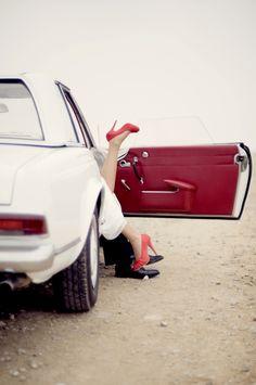 Adorable, love the vintage car!