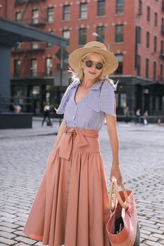 Atlantic-Pacific is a fashion and personal style site by Blair Eadie. Fashion Now, Fasion, Fashion Outfits, Womens Fashion, Diy Fashion, Fashion Ideas, Spring Summer Fashion, Spring Outfits, Classy And Fab