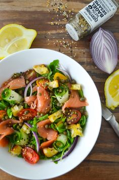 Healthy Lox Breakfast Salad – Nosh City Healthy Lox Breakfast Salad Healthy Lox Breakfast Salad – now you can enjoy your favorite breakfast without all those carbs. This salad is easy, healthy and delicious! Easy Brunch Recipes, Quick Recipes, Healthy Recipes, Breakfast Recipes, Simple Recipes, Free Recipes, Dinner Recipes, Cooking Recipes, Healthy Salads