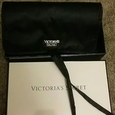 Victoria secret make up /jewelry pouch Brand new still has the stuffing and price. Great for traveling. Let me know if you have any questions:) Victoria's Secret Accessories