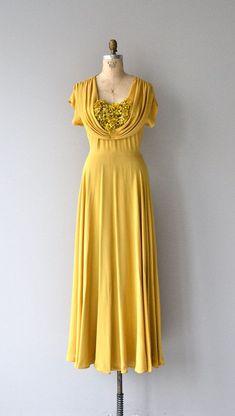 Long 1930s dress to impress