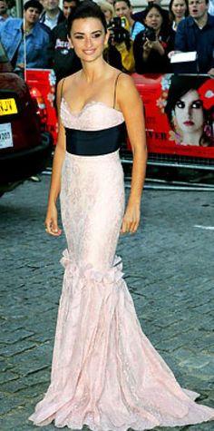 AUGUST 7, 2006 Penelope Cruz