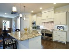 Great kitchen layout // Island with seating and a sink
