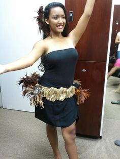 Tahitian Dance Costume Feather hip belt. $78.00, via Etsy.