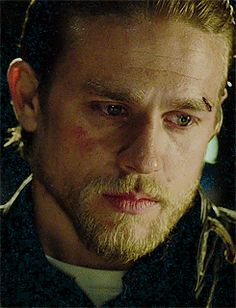I cannot stand to see this man in pain. You can fully tell Charlie actually felt pain to see Ryan go on SOA.. He brought Jax's real emotions to life. Phenomenal acting and so absolutely gorgeous. I love youuuu