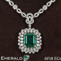 This mesmerizing emerald necklace will give you royal look.