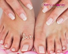 Eczema is a skin problem that is primarily triggered by a response that resembles an allergy. The condition may likewise become a persistent skin inflammatory issue. Natural Wart Remedies, Gold Toe Rings, Big Toe, Got 1, Gorgeous Feet, Wire Rings, Love Ring, Statement Rings, Pedicure
