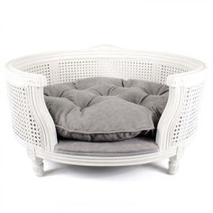 Treat your pet to royal style with this fabulous George pet sofa from Lord Lou. Inspired by Louis XVI this bed features an elegant webbed oak frame in white w… Grey Couches, Gray Sofa, Cute Bedding, Grey Bedding, Luxury Pet Beds, Style Français, Beds Uk, Grey Furniture, White Wicker