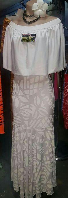 ... Samoan Designs, Polynesian Designs, Island Wedding Dresses, Samoan Dress, Island Style Clothing, Island Wear, Hawaii Style, Hawaiian Dresses, Muumuu