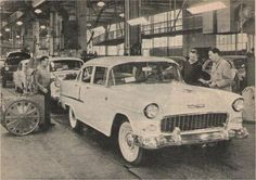 Vintage Motorcycles Rolling off the assembly line in Copenhagen. Ca 1200 employes were at this plant in The cars came in sturdy Cases made of wood! Vintage Racing, Vintage Cars, Antique Cars, Vintage Photos, 1955 Chevy Bel Air, 1955 Chevrolet, My Dream Car, Dream Cars, Pickup Car