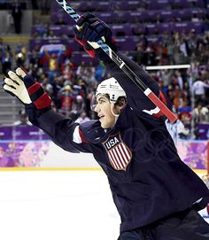 Oshie!!!! TJ Oshie scores 4 of 6 shootout goals to defeat Russia 3-2 in the 2014 Sochi Winter Olympics