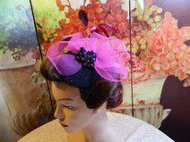 Fascinator schwarz pink Damenhut Minihat Burlesque