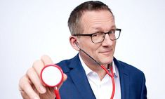 Dr Mosley's Fast 800 Diet: It's so easy to stay slim - for ever! Dr Michael Mosley, has been serialising his new book, The Fast which presents a research-backed twist on my popular fasting plan Michael Mosley, 800 Calorie Meal Plan, Blood Sugar Diet, 5 2 Diet, Diabetes In Children, Cure Diabetes Naturally, Keto, Diabetes Treatment, Weight Loss Program