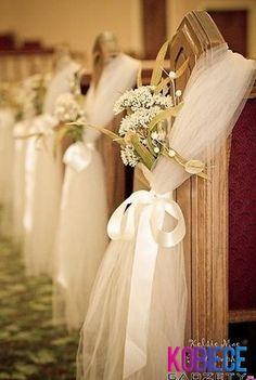 seda y flores blancas