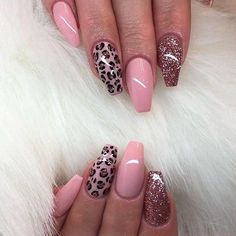 Nail art Christmas - the festive spirit on the nails. Over 70 creative ideas and tutorials - My Nails Cute Acrylic Nails, Acrylic Nail Designs, Nail Art Designs, Nails Design, Leopard Nail Designs, Crazy Nail Designs, Leopard Print Nails, Pink Cheetah Nails, Leopard Nail Art