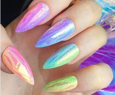 Paznokcie na lato, czyli pomysły na wakacyjny manicure | Inspiracje modowe :: blog modowy - modoweinspiracje.pl