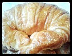 Croissant de mantequilla. Tahona Artesanal Gourmet Bilbao.