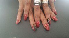 Nanou Nails art gel semi permanente sfumato rosso nero con borchie oro