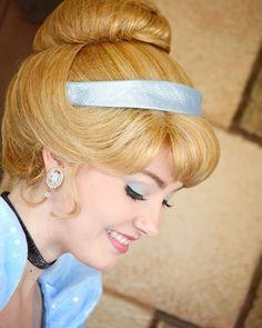 L'image contient peut-être : 1 personne, enfant et gros plan Cinderella Disney, Disney Princesses, Disney Face Characters, Tokyo Disneyland, Prince Charming, Disney Magic, The Dreamers, Dreams, Women