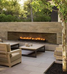 Pristine patio in Atherton, California by Andrea Cochran Landscape