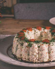 Luukku 3: Lohimoussekakku - ku ite tekee Fish Recipes, Appetizer Recipes, Sweet Recipes, No Bake Snacks, Savory Snacks, Xmas Food, Christmas Cooking, Scandinavian Food, Good Food