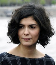 Bob Hairstyles from audrey tautou bob haircut Short Wavy Hair, Cute Hairstyles For Short Hair, Trendy Hairstyles, Curly Bob, Thick Hair, Audrey Tautou, Images Of Bob Hairstyles, Medium Hair Styles, Curly Hair Styles