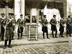 Corps of Cretan gendarmes in Thessaloniki. Picture postcard with a corps of Cretan gendarmes in Thessaloniki, Thessaloniki Hellenic Army, Picture Postcards, Ottoman Empire, Eastern Europe, Military History, World War Two, First World, Old Photos, Greece