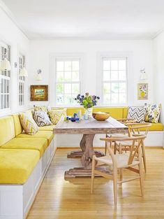 Banquette seating for 10 at this family breakfast table- extend bench Kitchen Booths, Kitchen Benches, Kitchen Booth Seating, Kitchen Banquette Seating, Dining Room Bench Seating, Kitchen Bench With Storage, Table With Bench, Kitchen Corner Bench Seating, Window Seat Kitchen