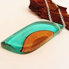 Just listed on my Etsy shop. Turquoise epoxy resin and plum necklace. Wooden Necklace, Resin Necklace, Wooden Jewelry, Resin Jewelry, Jewellery, Wood Resin, Resin Art, Quilling Jewelry, Cool Woodworking Projects