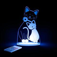 Het poesje van Aloka sleep lights is handig te bedienen met een afstandsbediening. Met de afstandsbediening kunt u makkelijk de kleur veranderen, de helderheid aanpassen, de timer instellen. Als de timer van het lampje klaar is gaat het lampje automatisch uit.