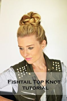 15 Easy DIY Hair Updo's