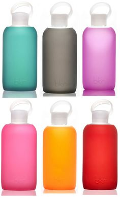 Let's all quit the plastic bottles! The well-designed BKR Bottle with interchangeable silicon sleeves - it's glass and can go in the dishwasher. Snacks For Work, Healthy Work Snacks, Healthy Meals For Kids, Healthy Appetizers, Healthy Life, Plastic Bottles, Glass Bottles, Water Bottles, Plain Greek Yogurt