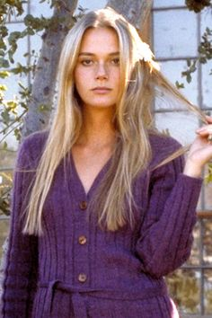 Peggy Lipton and other defining ladies of 70's fashion, here: