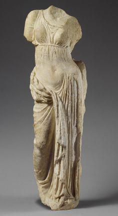 Marble statue of Aphrodite Period:Hellenistic century B. Culture:Greek Medium:marble Dimensions:H. Ancient Greek Sculpture, Ancient Greek Art, Greek Statues, Ancient Greece, Roman Sculpture, Stone Sculpture, Sculpture Art, Aphrodite, Hellenistic Art
