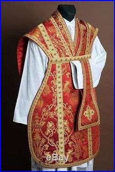 http://chasublevestmentkaselmessgewand.net/wp-content/images/RED-VESTMENT-ROMAN-CHASUBLE-KASEL-MESSGEWAND-STOLE-STOLA-MANIPLE-MANIPEL-05-ghp.jpg