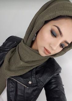 Hijab Makeup, Eye Makeup, Middle Eastern Makeup, Modern Hijab Fashion, Hijabi Girl, Fake Photo, Hijab Tutorial, Long Dresses, Role Models