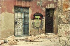 El comendante - mural in old Havana